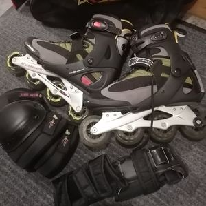 Roller blade/ knee pads & wristguard with car bags